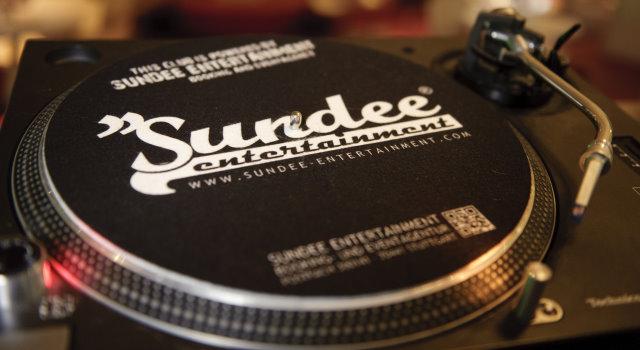 Sundee Entertainment gestaltet Ihr Event - von der Tontechnik bis zur VIP-Gästeliste