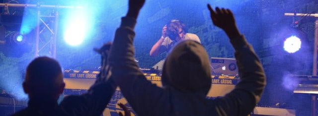 Sundee Entertainment-DJ David DeLane vor tausenden Besuchern beim Altstadtfest in Trier